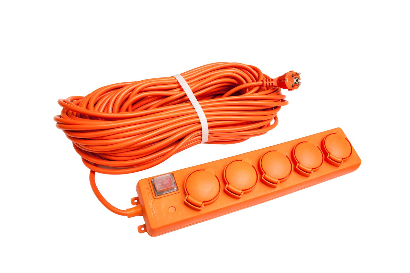 Удлинитель Universal У10-026 ip-44 ПВС 3*1,5 5гнезд 20м силовой удлинитель universal вем 250 термо пвс 2 0 75 20м 9634146