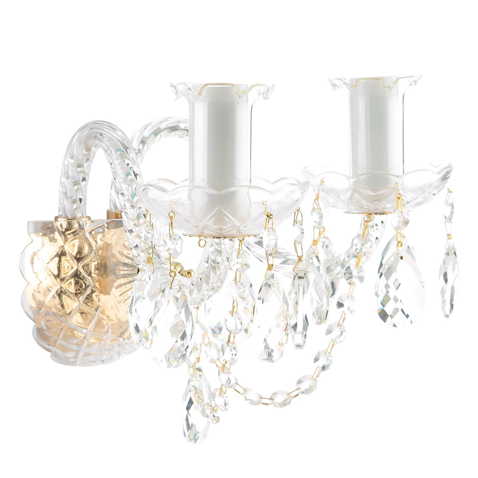 Бра MaytoniНастенные светильники и бра<br>Тип: бра,<br>Назначение светильника: для гостиной,<br>Стиль светильника: классика,<br>Материал светильника: металл,<br>Тип лампы: накаливания,<br>Количество ламп: 2,<br>Мощность: 60,<br>Патрон: Е14,<br>Цвет арматуры: золото,<br>Ширина: 350,<br>Высота: 240,<br>Диаметр: 350,<br>Коллекция: arm902<br>