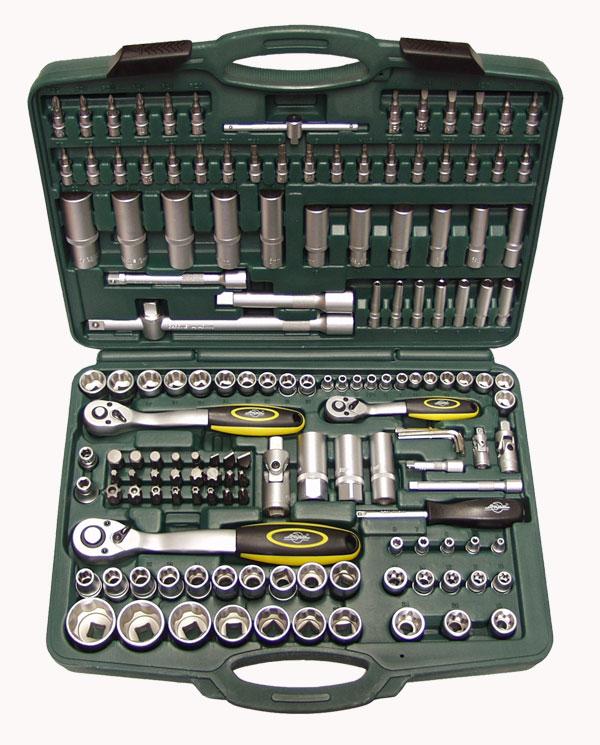 Набор инструментов в чемодане, 151 предмет AistНаборы инструментов<br>Назначение: автомобильный,<br>Количество предметов в наборе: 151,<br>Тип набора: инструменты в наборе,<br>Класс: бытовой,<br>Поставляется в: кейсе,<br>Родина бренда: Россия<br>