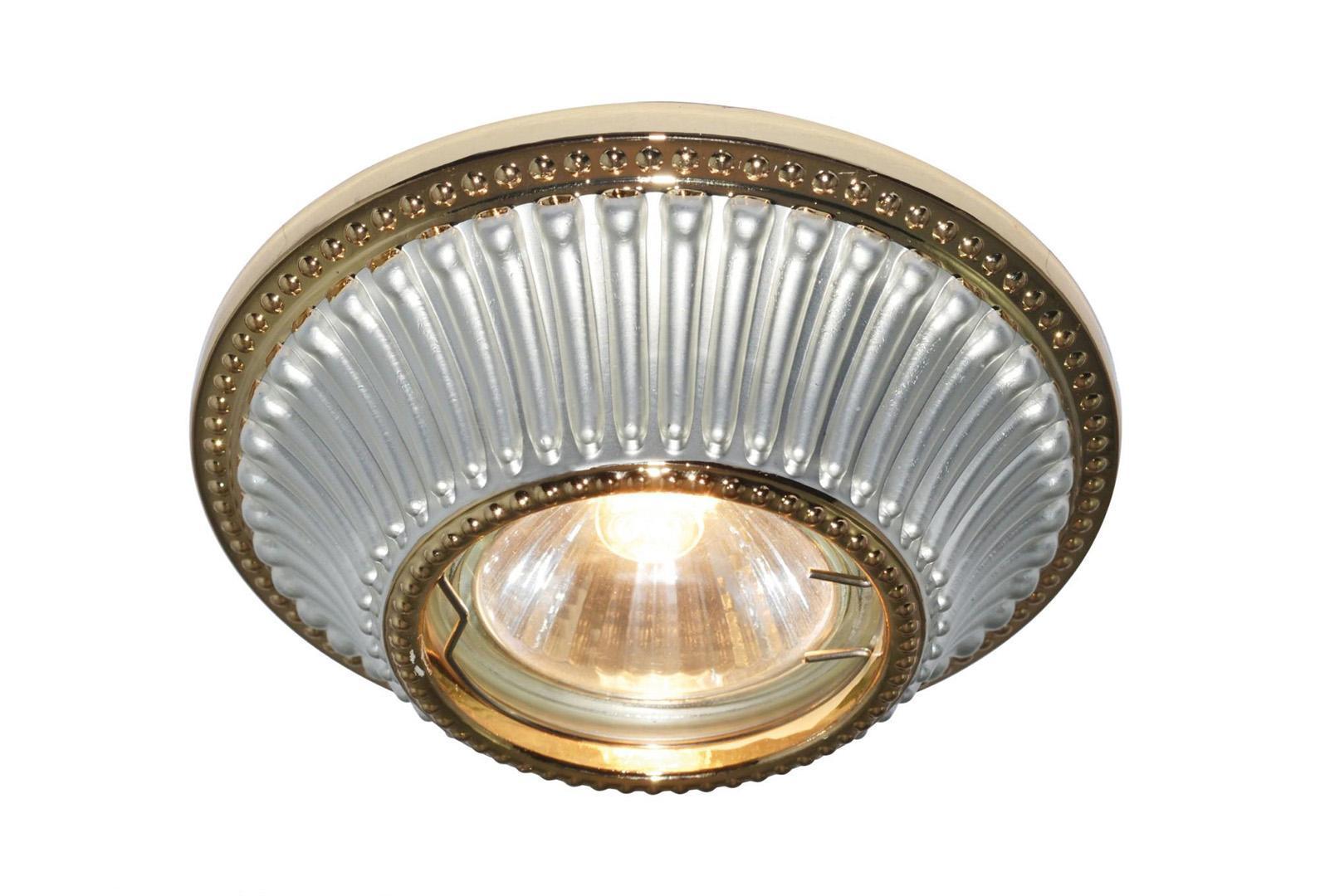 Светильник встраиваемый Arte lampСветильники встраиваемые<br>Стиль светильника: классика, Диаметр: 110, Форма светильника: круг, Материал светильника: металл, Количество ламп: 1, Тип лампы: накаливания, Мощность: 50, Патрон: GU10, Цвет арматуры: золото, Назначение светильника: для комнаты, Вес нетто: 0.2, Коллекция: 5298<br>