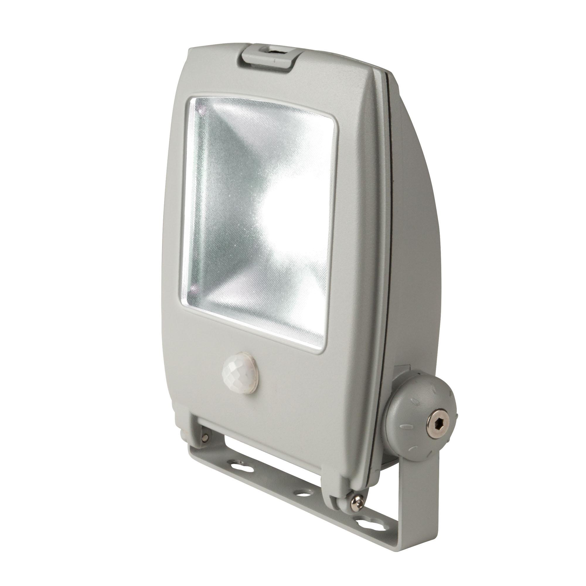 Прожектор светодиодный Uniel Ulf-s22-10w/ww sensor ip65 110-240В