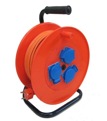 Удлинитель Lux УХз16-003 удлинитель силовой на катушке lux ухз16 003 50м 3х1мм 16а 3500вт 3 розетки автомат защиты