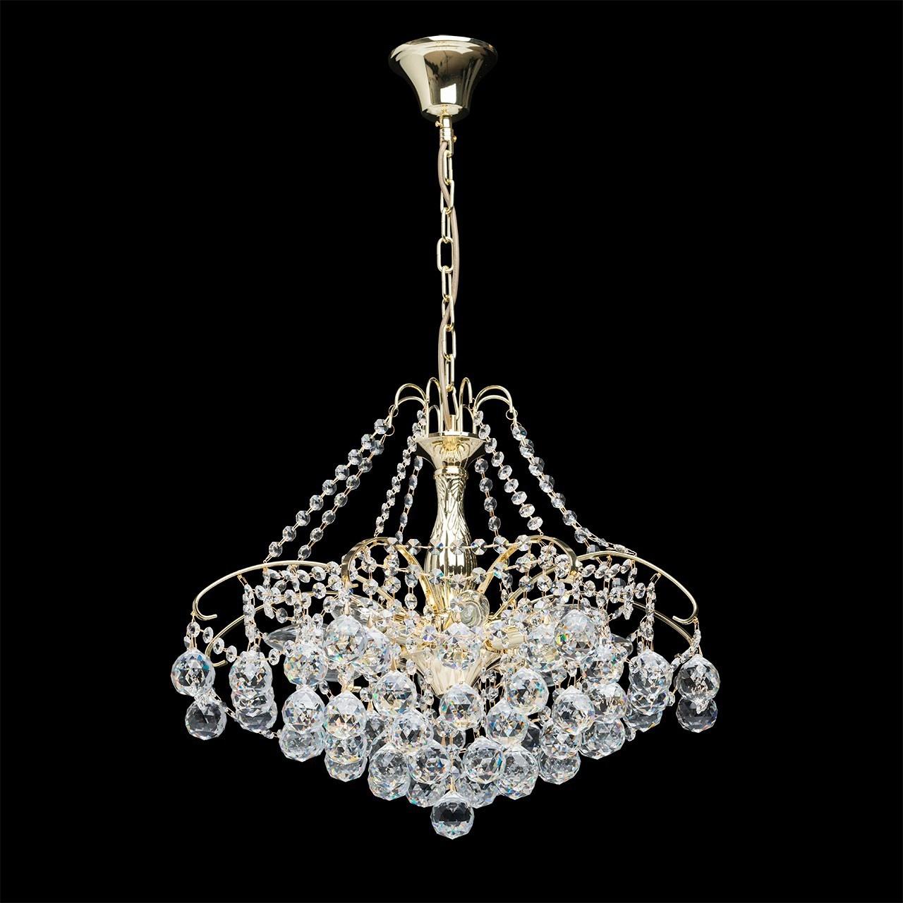 Люстра Mw lightЛюстры<br>Назначение светильника: для спальни, Стиль светильника: классика, Тип: потолочная, Материал светильника: металл, хрусталь, Материал плафона: хрусталь, Материал арматуры: металл, Длина (мм): 560, Ширина: 560, Высота: 840, Количество ламп: 8, Тип лампы: накаливания, Мощность: 60, Патрон: Е14, Цвет арматуры: золото, Родина бренда: Германия, Коллекция: Жемчуг<br>