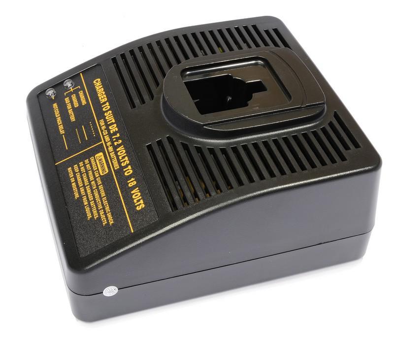 Купить Зарядное устройство Pitatel Tsa-002-de-01