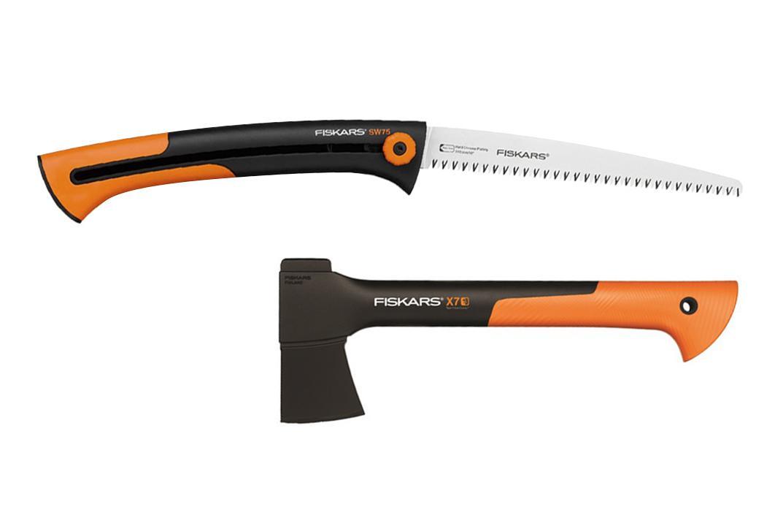 цена на Набор Fiskars Топор x7-xs +Ножовка 123880 xtract садовая