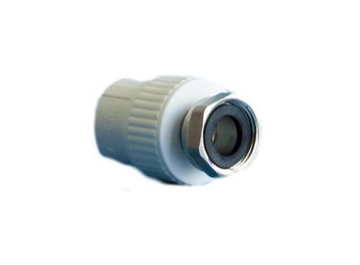 Полипропиленовая муфта d20х3/4 PPR ПОЛИТЭК 31745, комбинированная с накидной гайкой