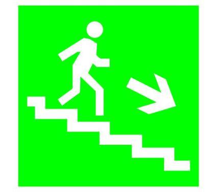 Знак TDM Направление к эвакуационному выходу (по лестнице направо вниз) 150х150мм (SQ0817-0045)