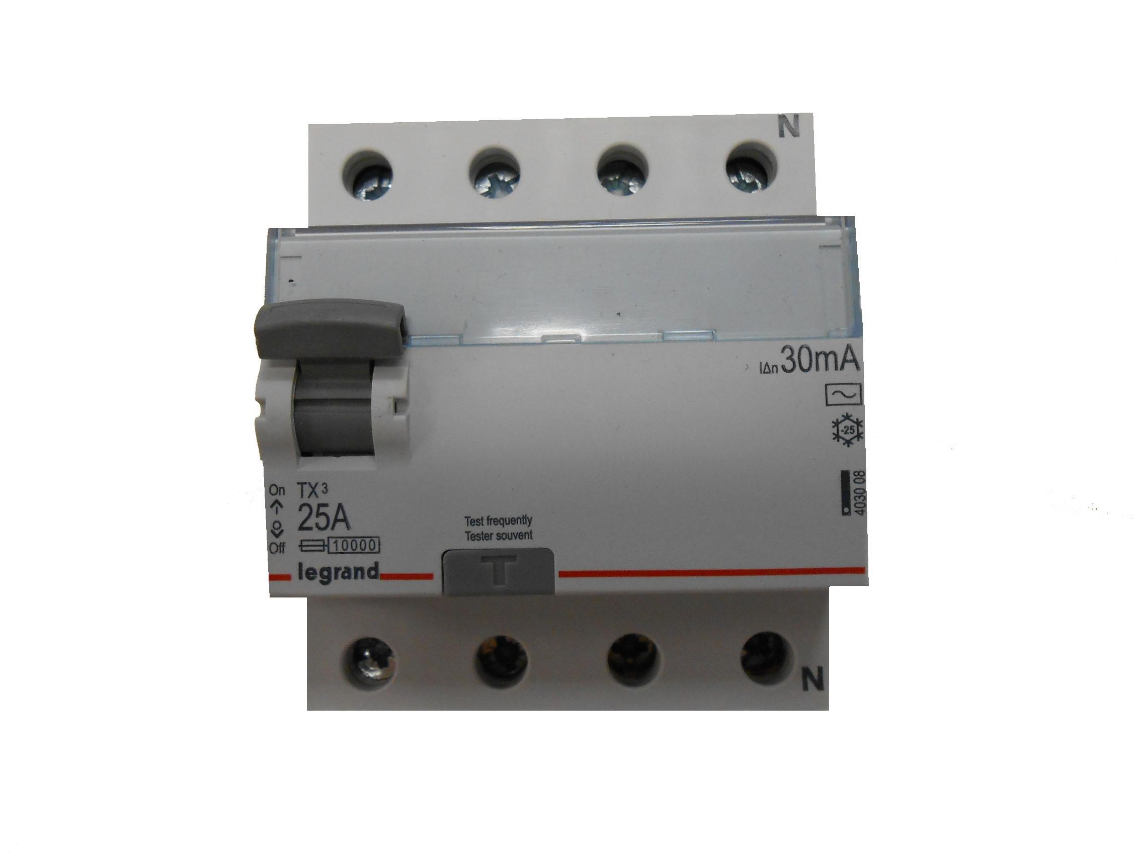 УЗО Legrand Tx3 leg 403008 legrand выключатель авт 2п c 32а rx3 4 5ка leg 419700
