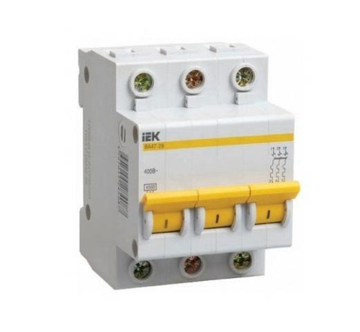 Автомат IekАвтоматические выключатели<br>Номинальный ток: 2,<br>Тип выключателя: автомат,<br>Количество полюсов: 3,<br>Номинальная отключающая способность: 4500,<br>Степень защиты от пыли и влаги: IP 20,<br>Количество модулей: 3<br>